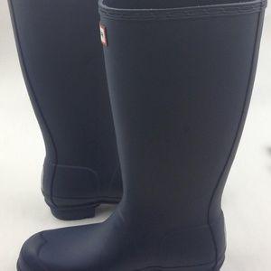 Hunter Shoes - HUNTER Original Tall Rain Boot sz 6 runs bigger